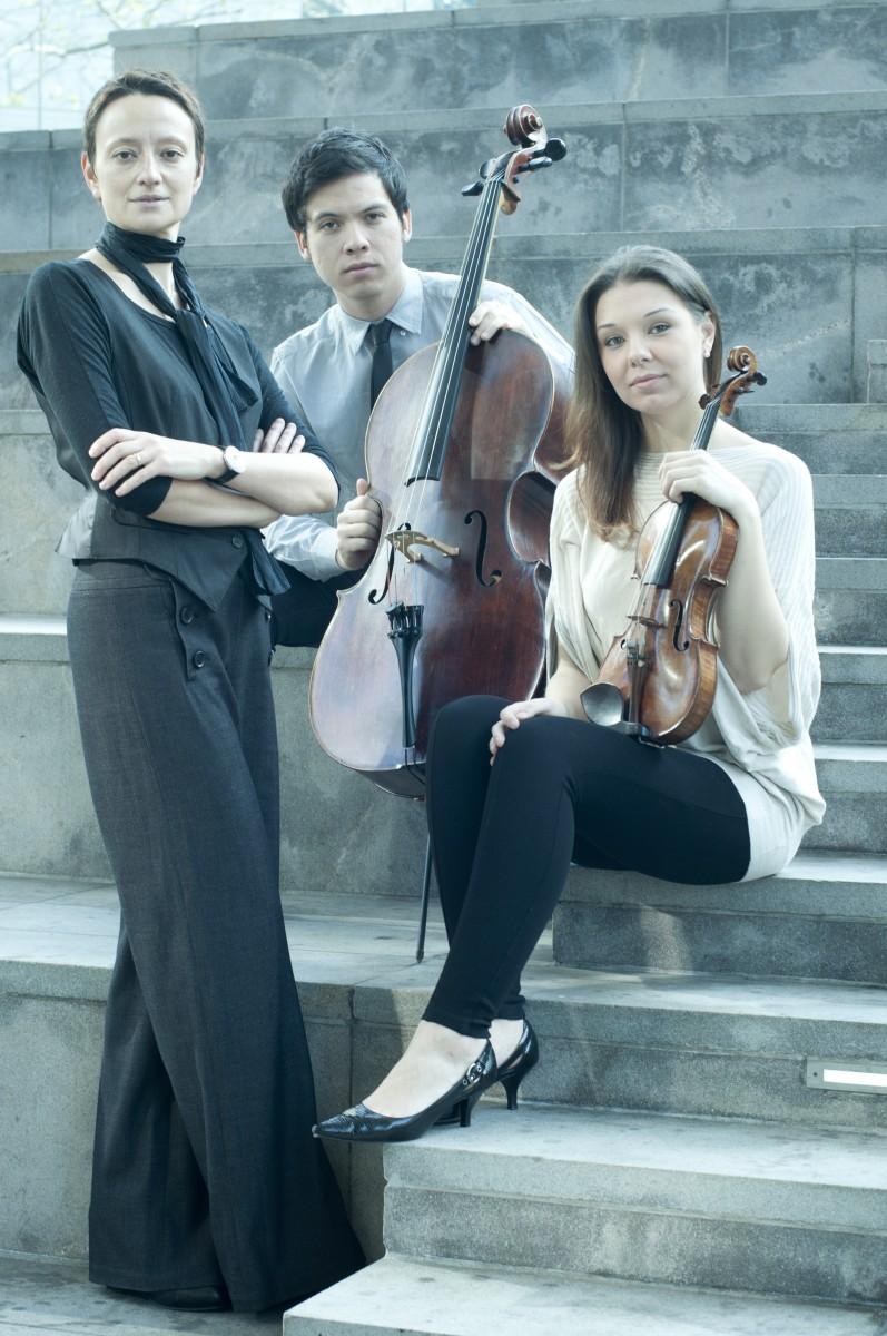 Contista Trio